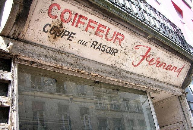 salon de coiffure ouvert